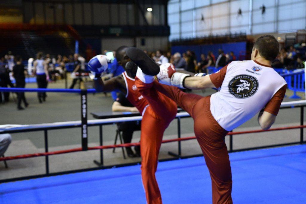 tenue personnalisée savate boxe française sur mesure fait france hexagone combat