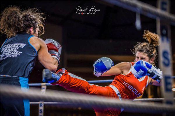 compétition de savate boxe française hexagone combat tenues personnalisées de savate boxe française Hexagone Combat tenues de Savate personnalisées