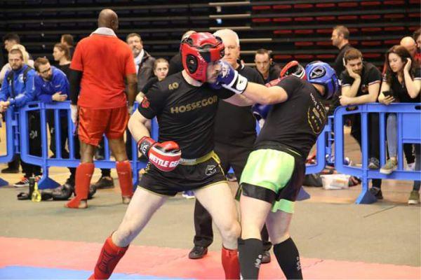 compétition de kick-boxing hexagone combat tenues personnalisées de savate boxe française Hexagone Combat tenues de kickboxing et boxe thaï personnalisées